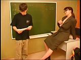 Garotinho comendo a professora bucetuda